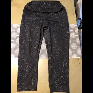 Lululemon high rise legging very mild wear